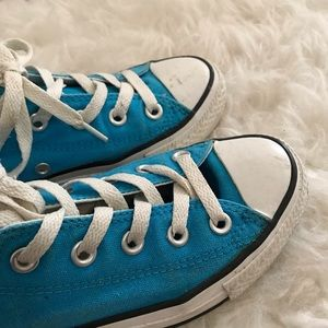 Converse low cut in blue